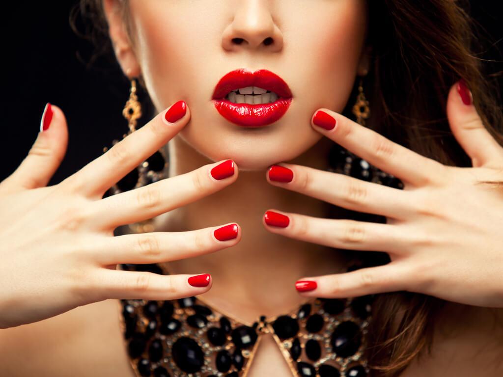 爪のコンプレックスも解消できる!手の印象が変わるネイルケア