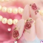 透け感×グレイッシュカラーで夏から秋のネイルをワンランクUP!