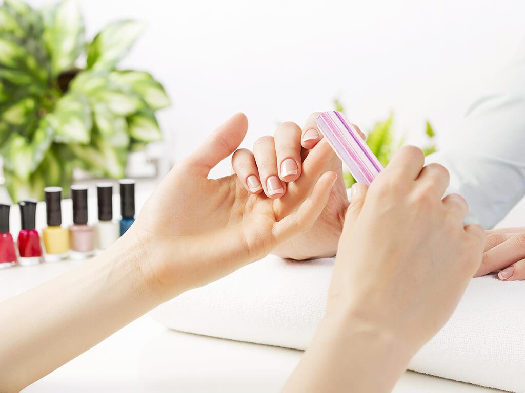 乾燥した爪への対策に!美しい手を保つ秘訣