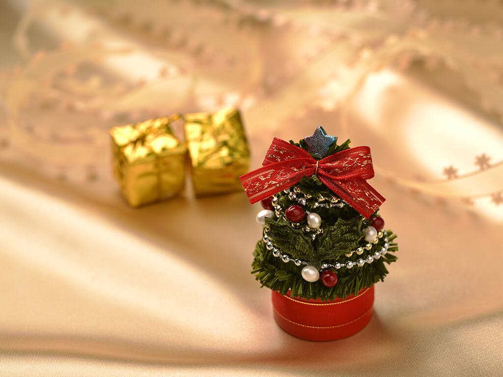 ネイルの形もクリスマスツリー風にして気分は一気にクリスマス♪