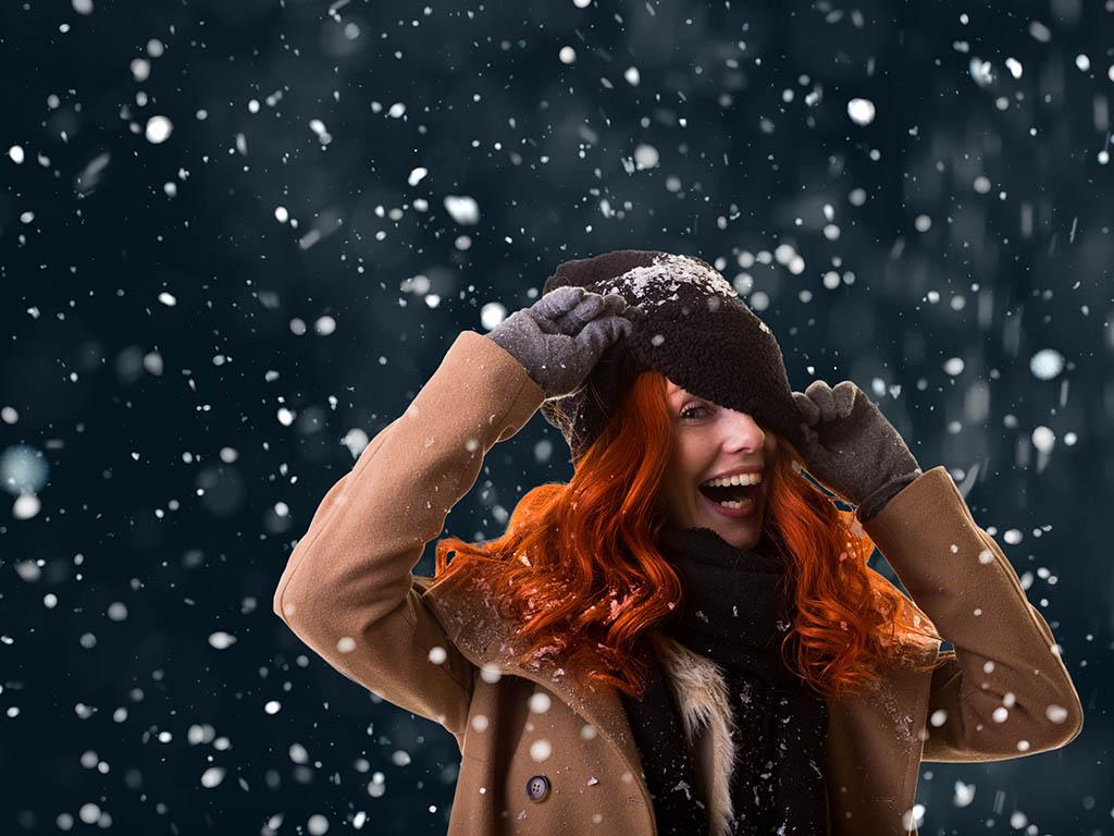 冬の巻き髪はシーンに合わせて楽しんで