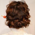 成人式や卒業式向けヘアアレンジは人気の波ウェーブベースで作る