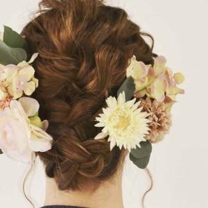 セルフで作れる♪造花のヘアアクセの使い方ワンポイントテク