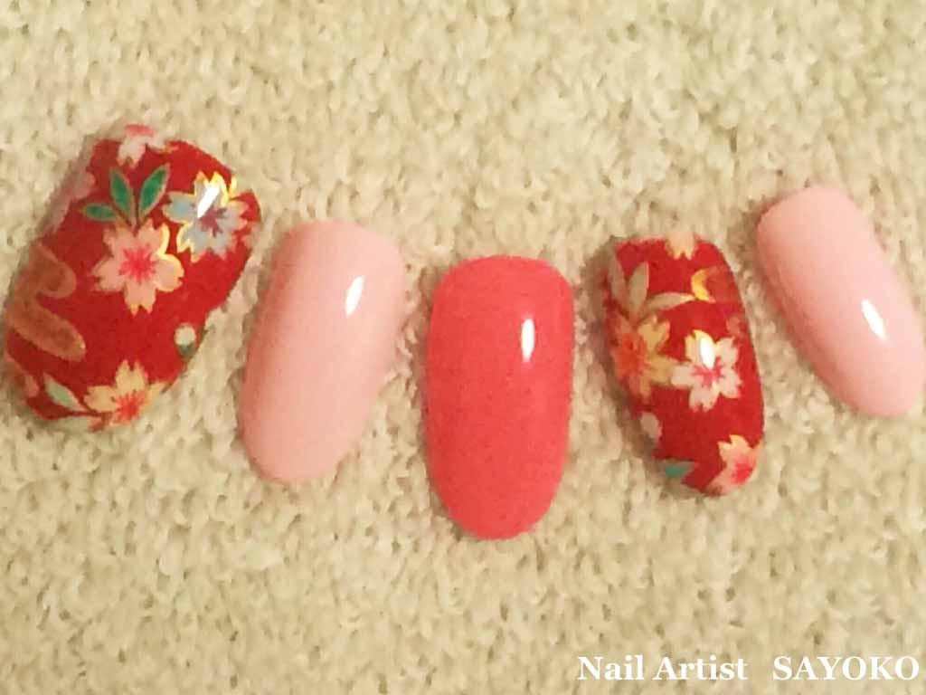 歌舞伎の衣装をヒントにした、桜柄ネイル!