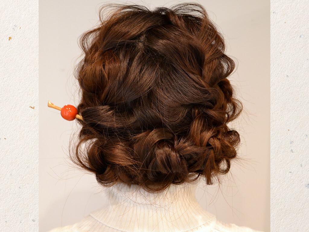 【アレンジ④】人気の波ウェーブをベースに作るヘアアレンジ