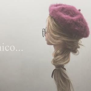 ルーズにキメて大人可愛い♪帽子に似合うダウンヘアアレンジ