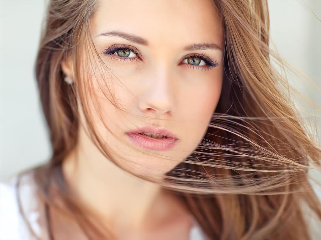 顔のむくみを解消!毎日できる予防法から即効性のある対処法まで