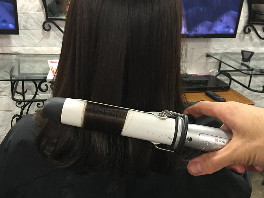 残った表面の髪はサイドからの繋がりを意識して♪