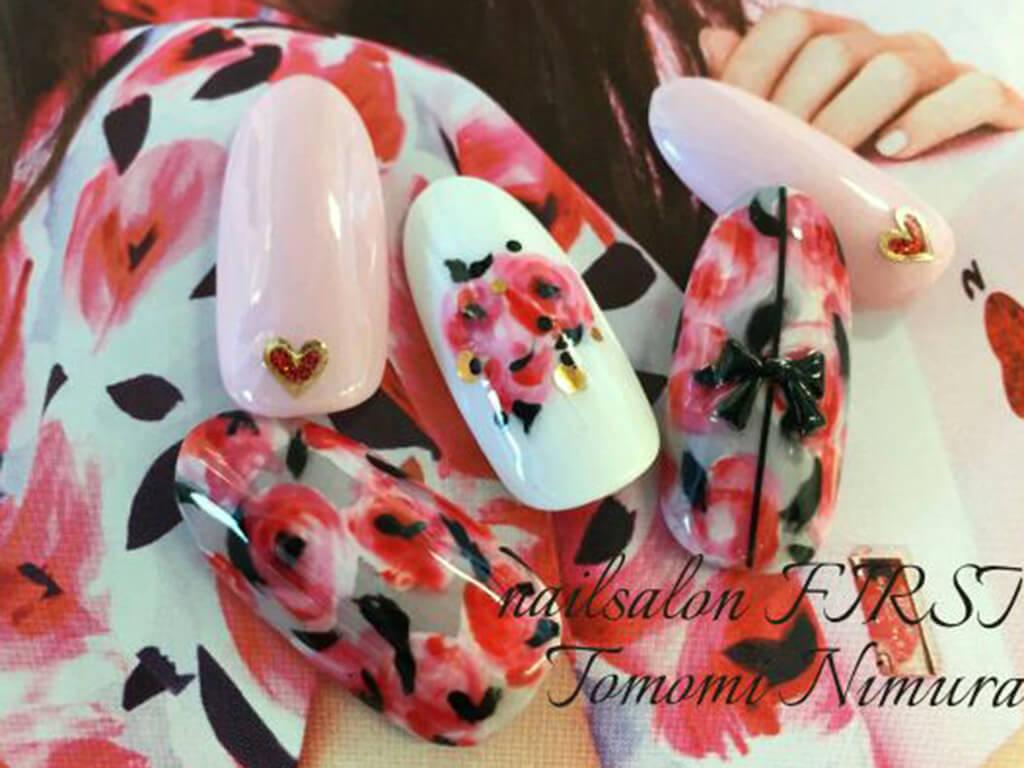 ピンク×花柄は大胆な色使いでテンションアップ!