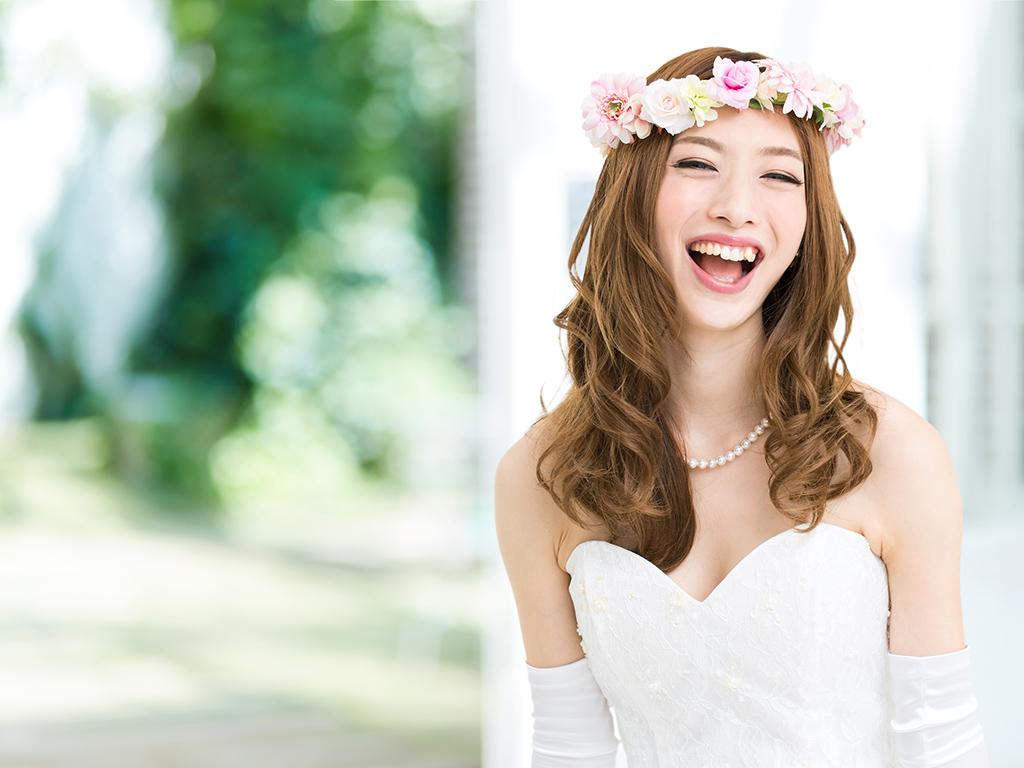 誰でも簡単にできる集中ケアで、ドレスに似合うキレイなまつ毛に