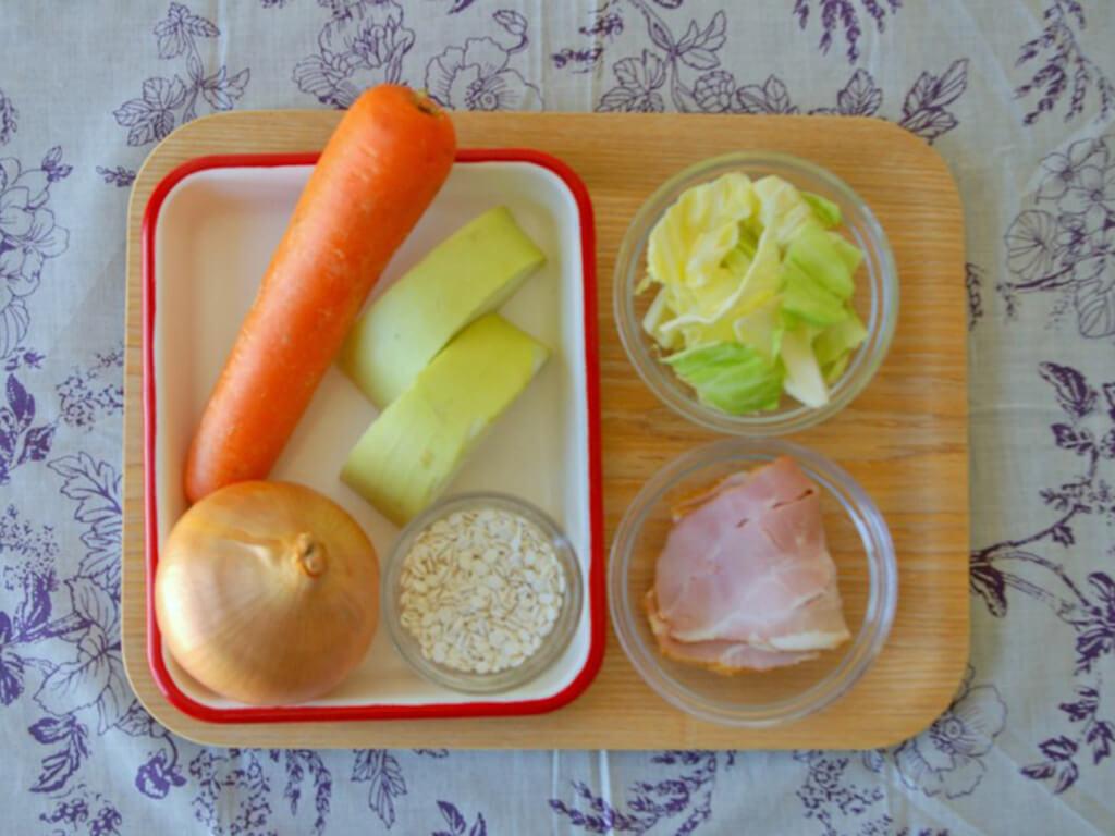 材料はザクザク切って煮込めばOK!味付けアレンジも自在なレシピ
