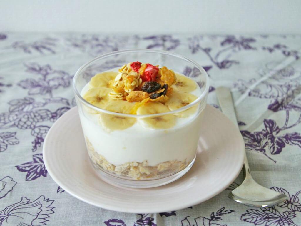 美人を作る朝食「5分で完成♪オートミール入り蜂蜜ヨーグルト」