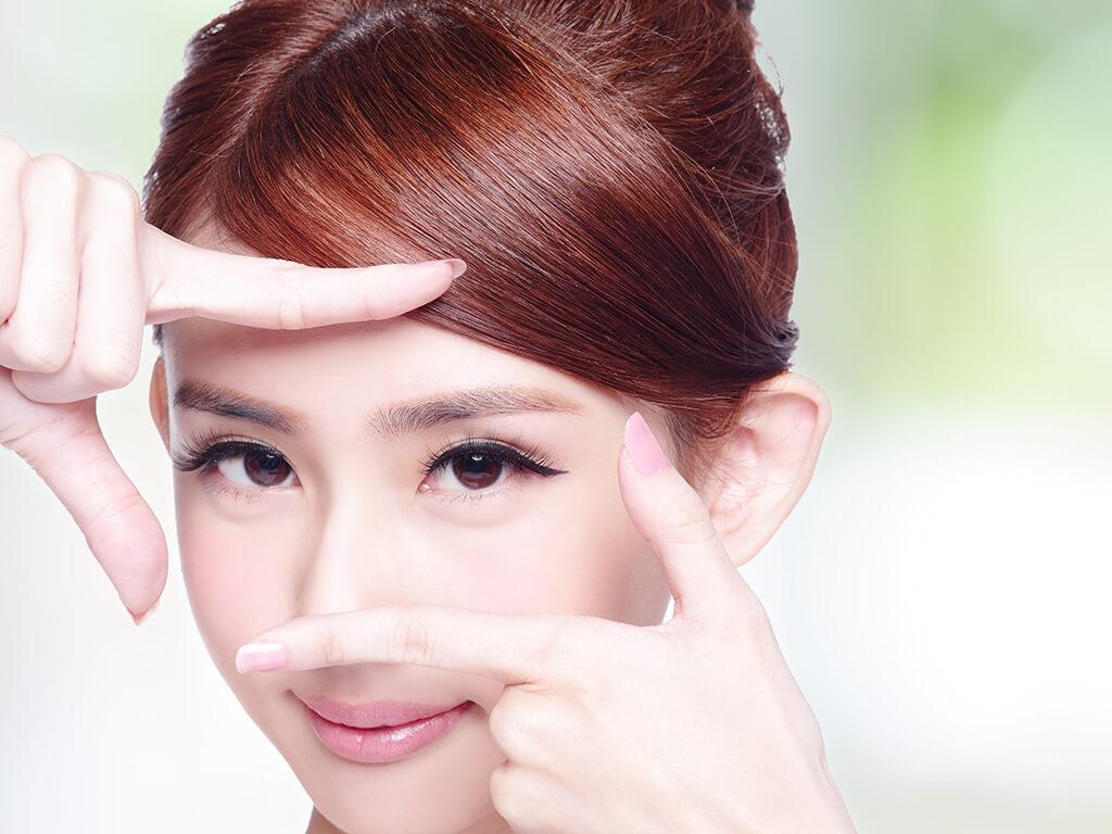 女性のメイクで一番多いお悩みは、「眉毛」だった!