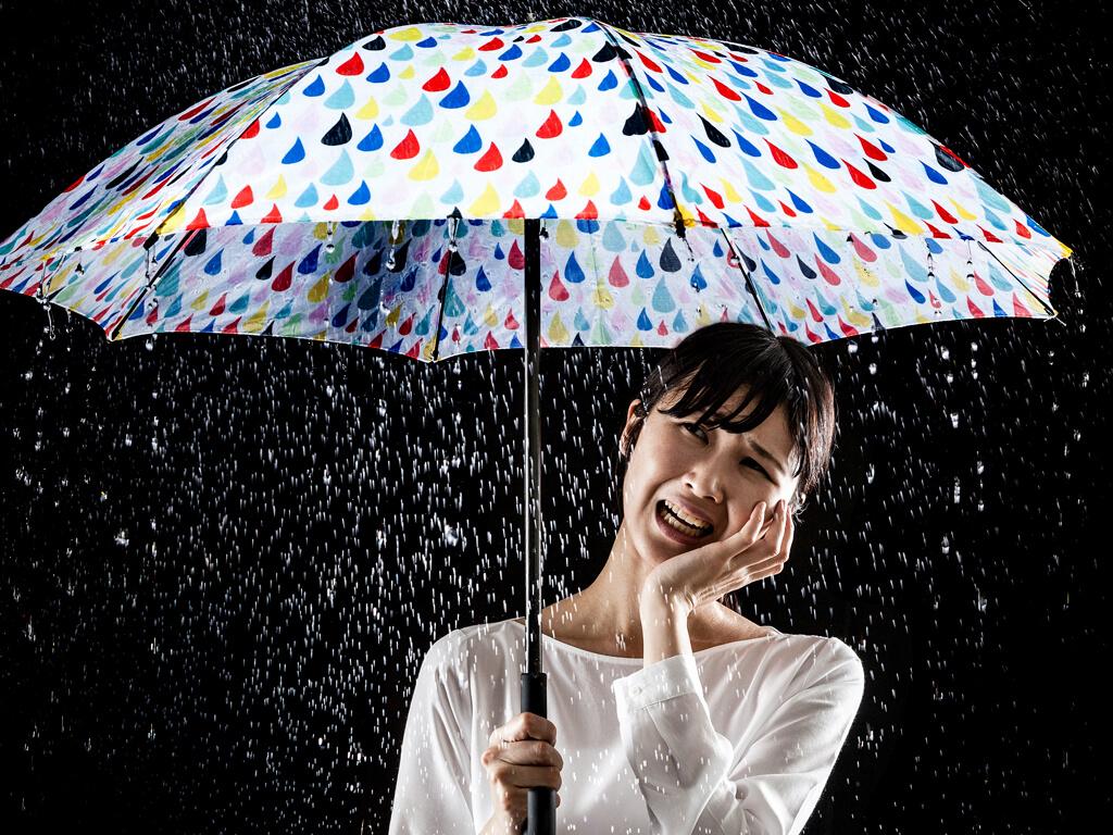 梅雨の湿気がキレイなメイクに利用できる?!