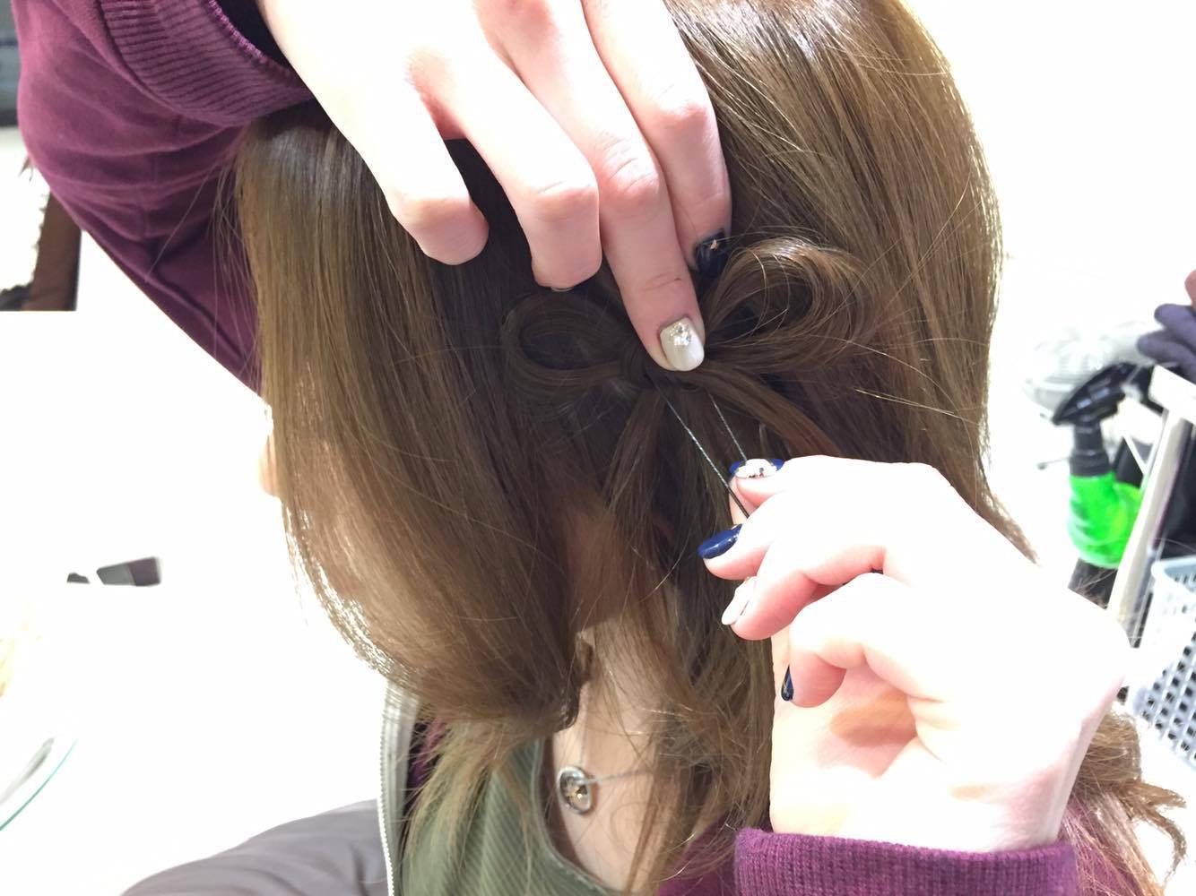 ホントに簡単!自分の髪の毛を蝶々結びするだけ!3