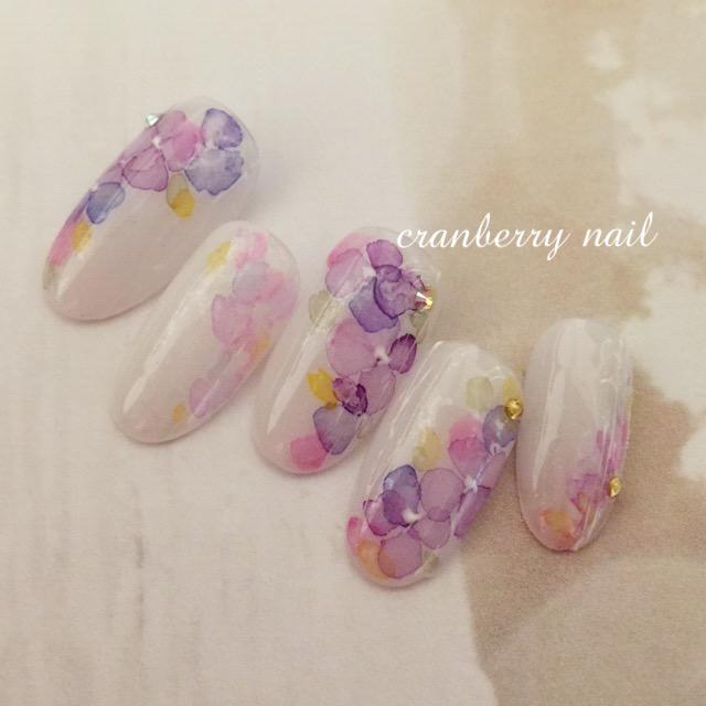 雨の日も爪から美しく♪梅雨にぴったりな紫陽花ネイル