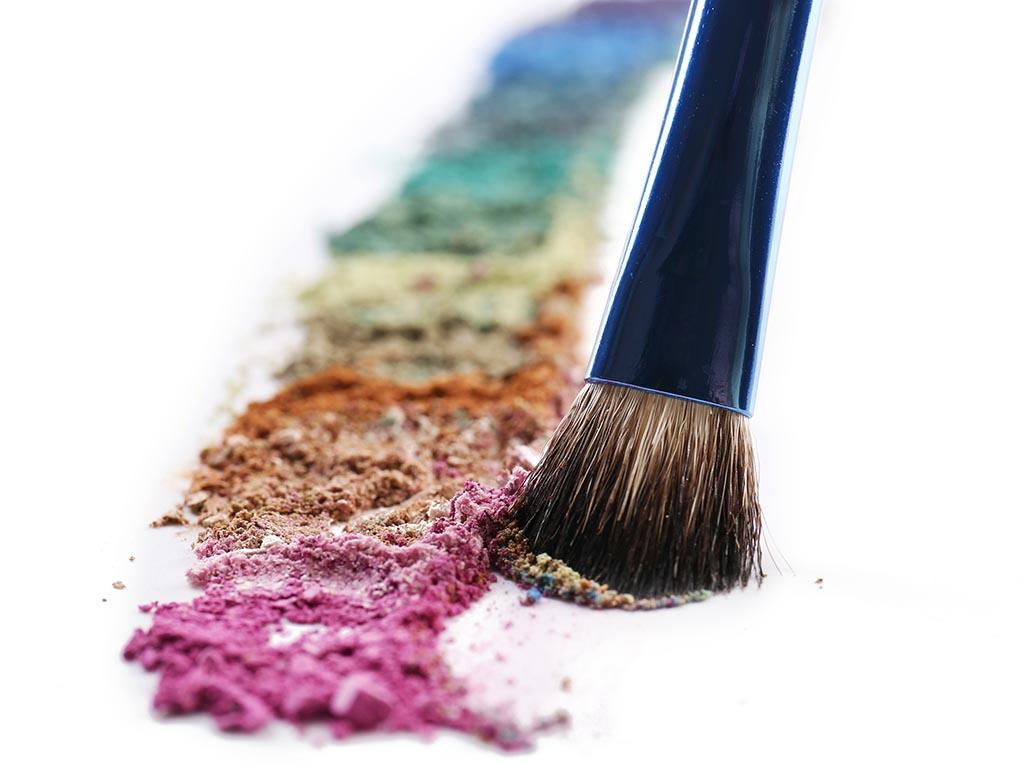 あまったアイシャドウ活用術①:新しい色を作ってリユース