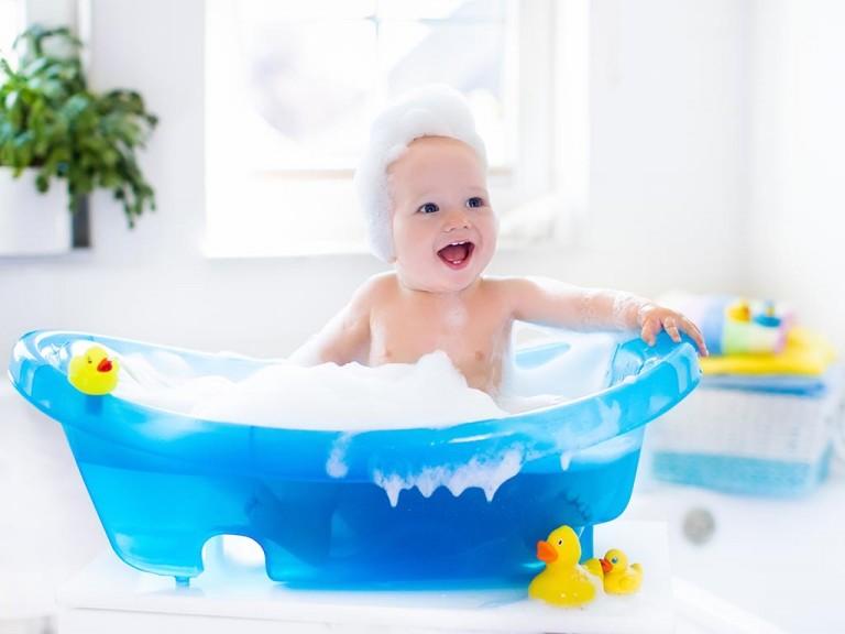 赤ちゃんのヘアケア、ココに注意!シャンプーのポイント4つ