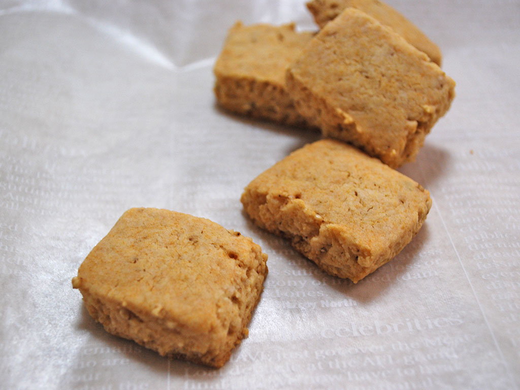 おやつでダイエットできる?!簡単ハチミツ入りゴマクッキー