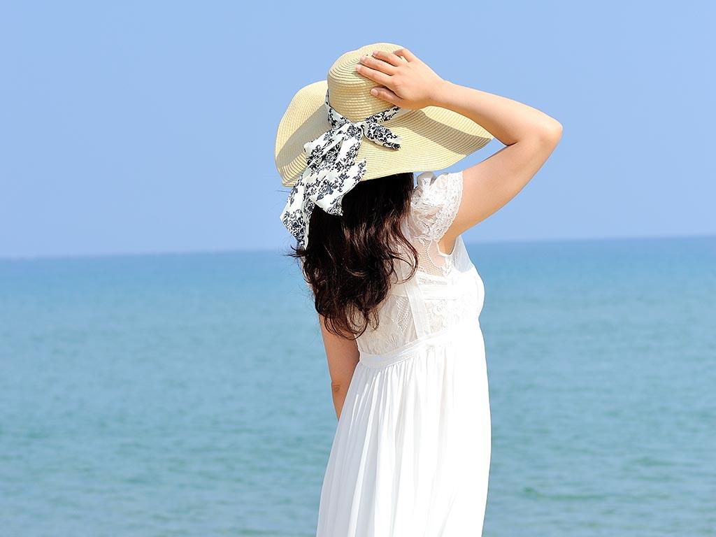 帽子やヘアアレンジでも紫外線予防になる♪