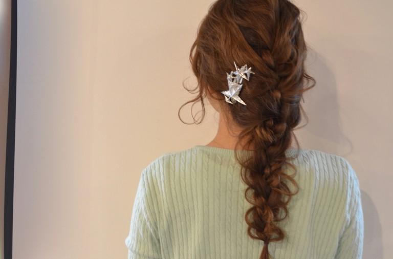 三つ編み3回でかわいいまとめ髪に♪夏のすっきりヘアアレンジ術