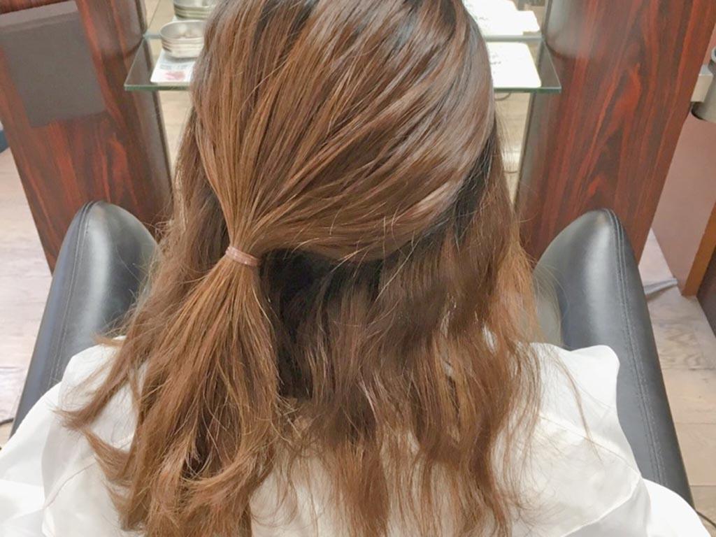 夏もすっきり♪まとめ髪の手順2
