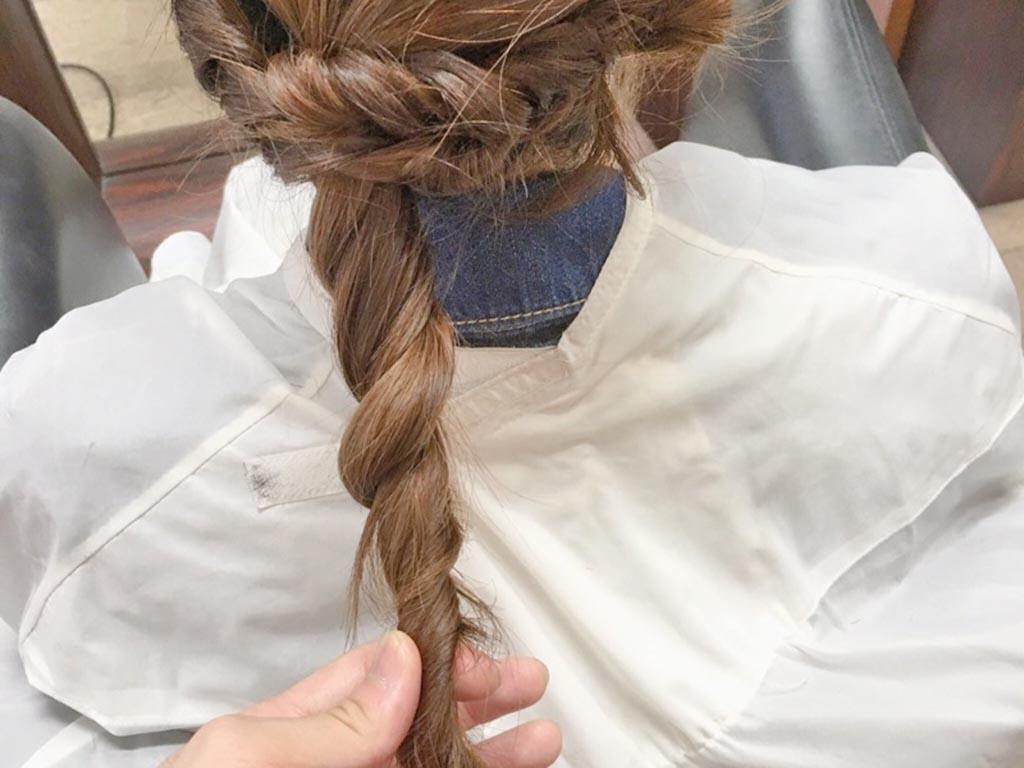 夏もすっきり♪まとめ髪の手順7
