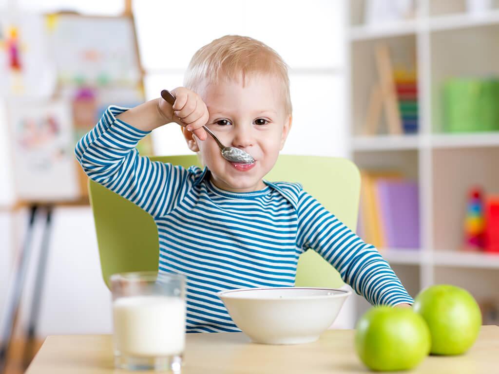 リンゴスムージーは朝食に摂るのがおすすめ♪