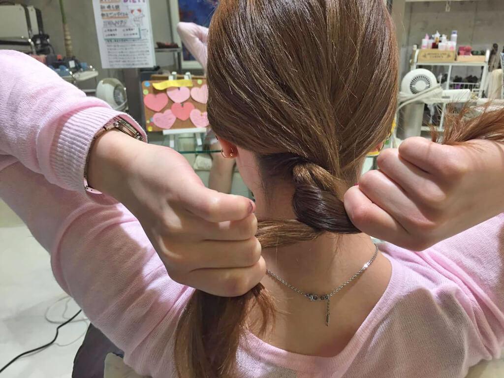 超簡単!まとめ髪アレンジの手順2