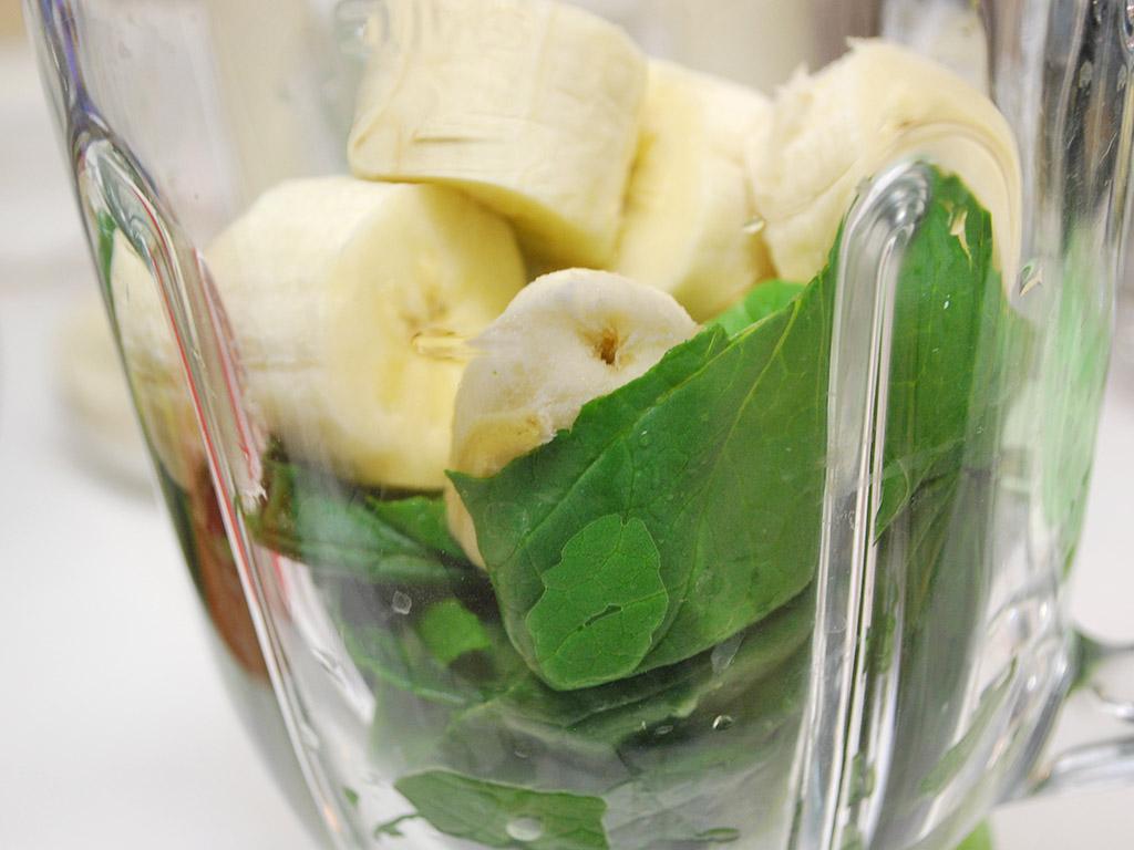 小松菜×バナナのグリーンスムージーのレシピ