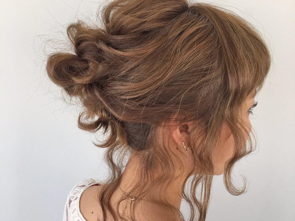 2日目:夏にかわいい♪お団子2つで作るまとめ髪