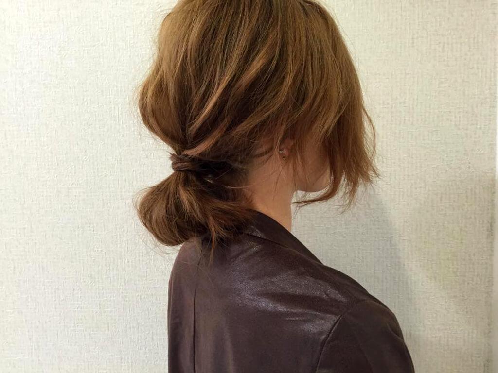 火曜:時短にもおススメ!たるん結びでぱぱっとまとめ髪