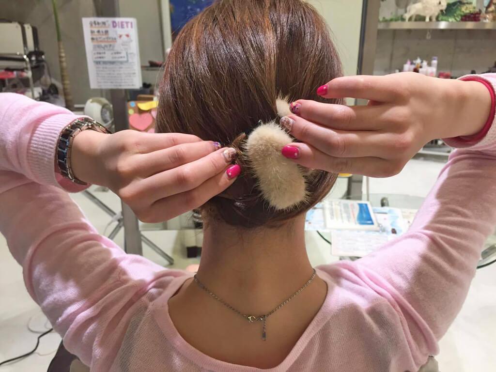 超簡単!まとめ髪アレンジの手順3
