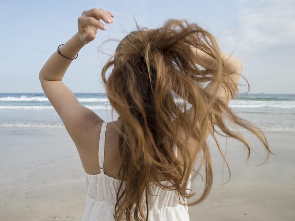 紫外線はお肌だけじゃない!髪のケアも忘れずに