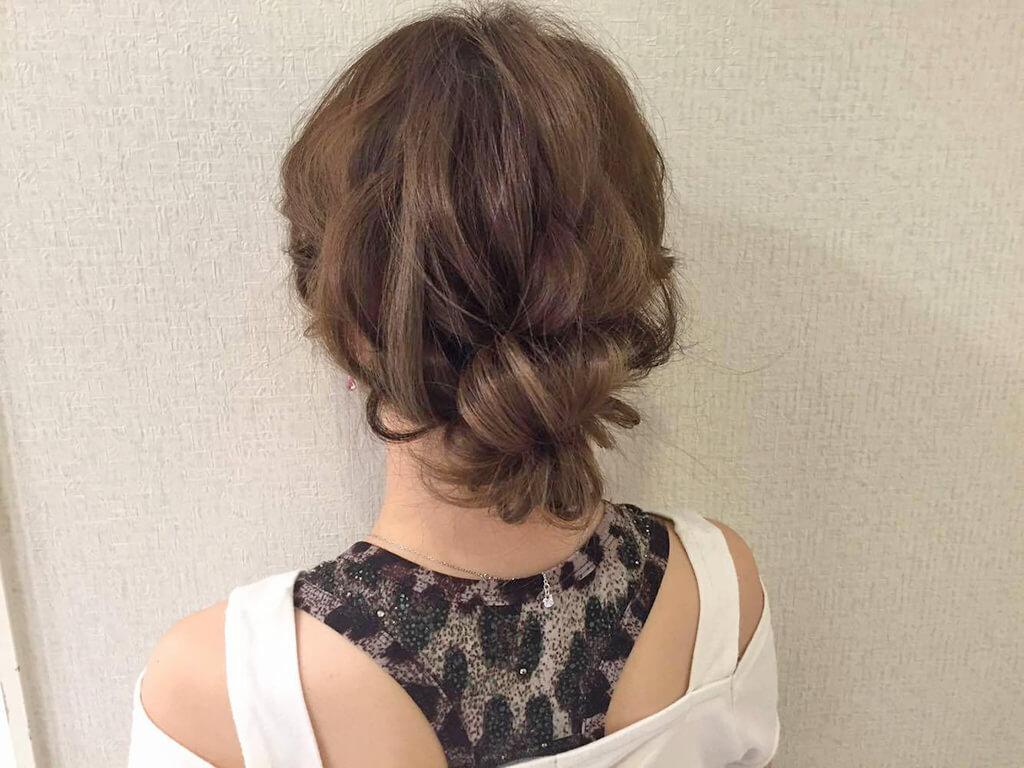 大人かわいいまとめ髪で秋スタイルがもっとオシャレに♪