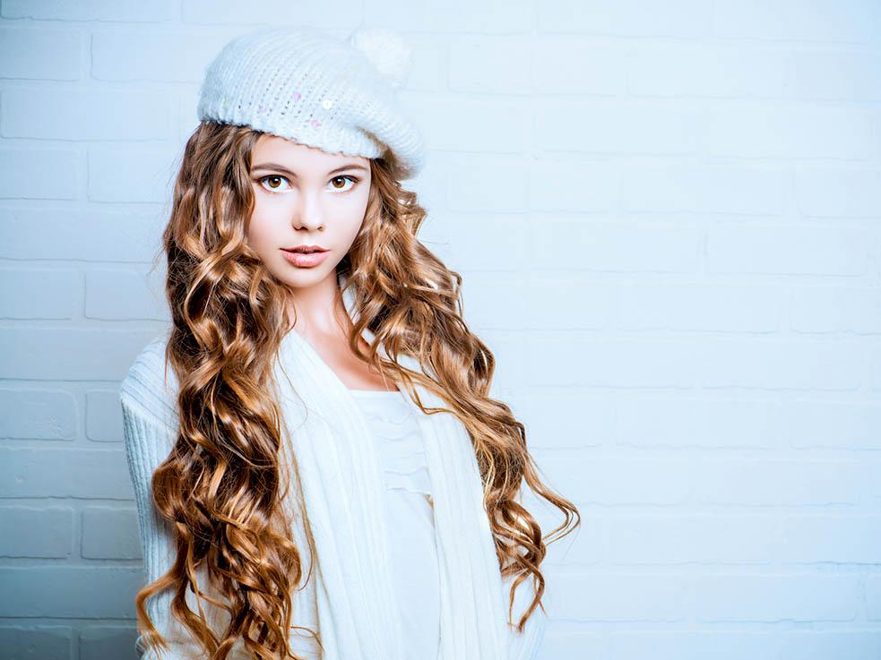秋冬ファッションと相性◎ ベレー帽に合うヘアアレンジを紹介します