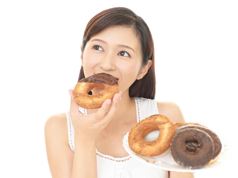 食べてる時は夜中だろうが、罪悪感を持たずに食べる!