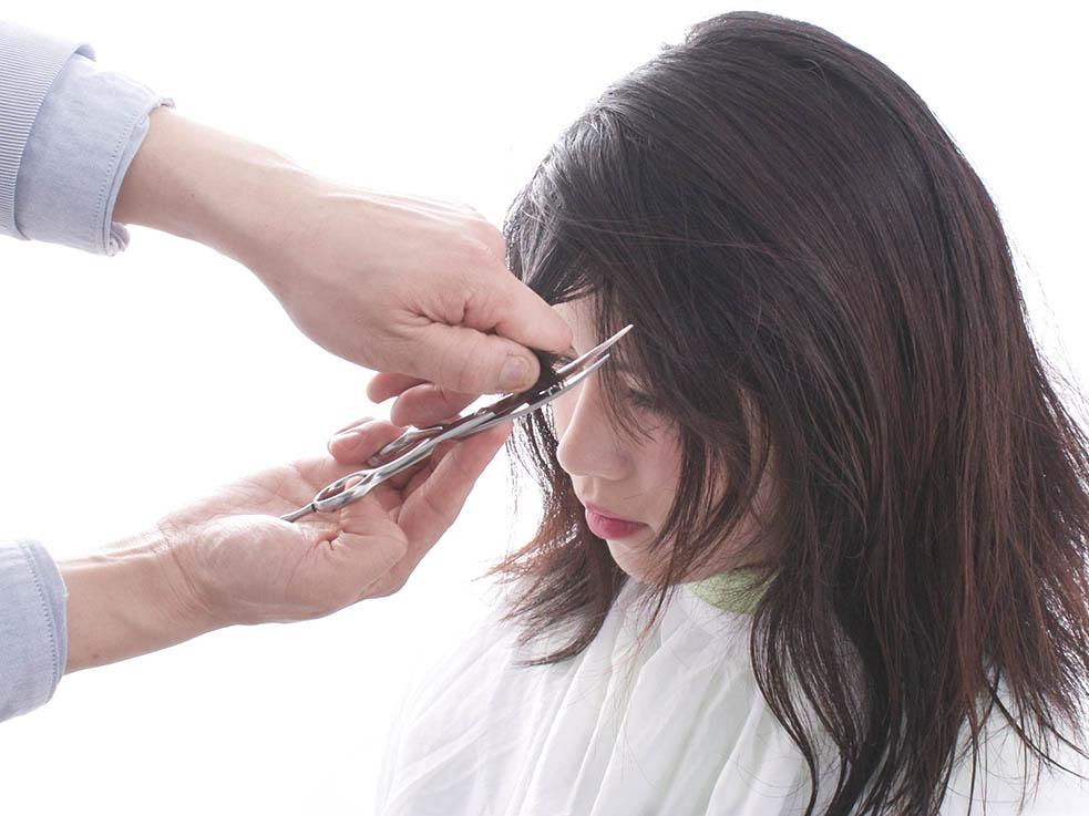 失敗しない前髪オーダー方法と自分で前髪を切る注意点とは?