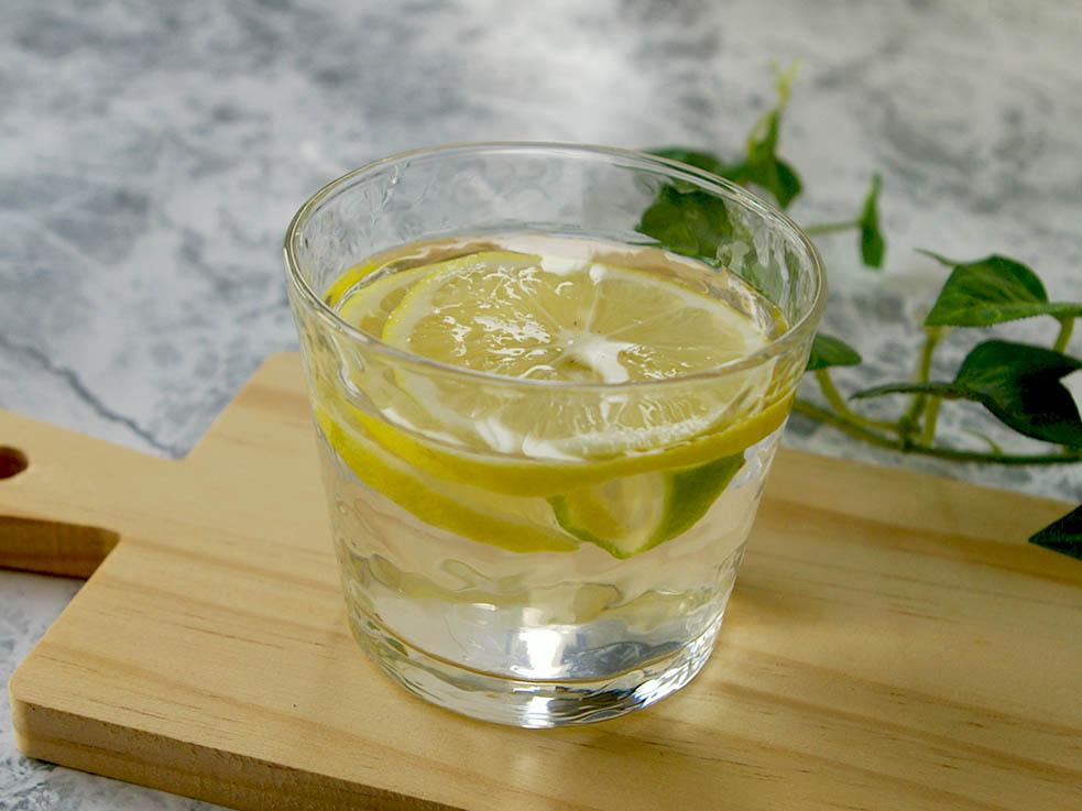 ダイエットにも効果的な「レモン酢」について紹介します