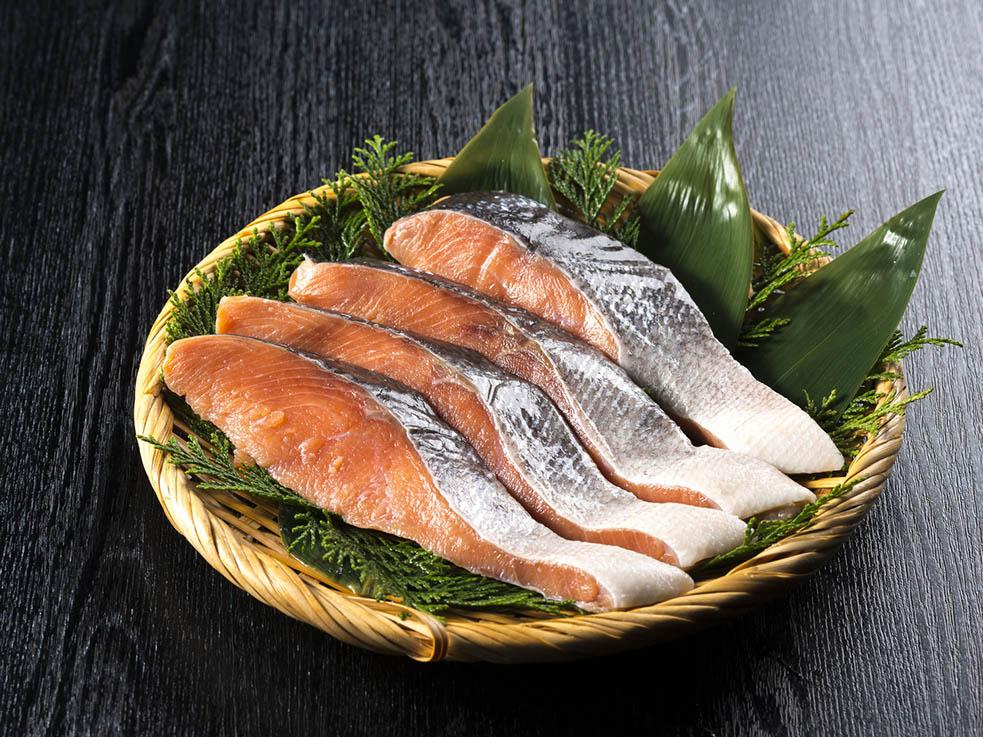 美肌効果のスーパーフード! 鮭と大豆のおろし和え