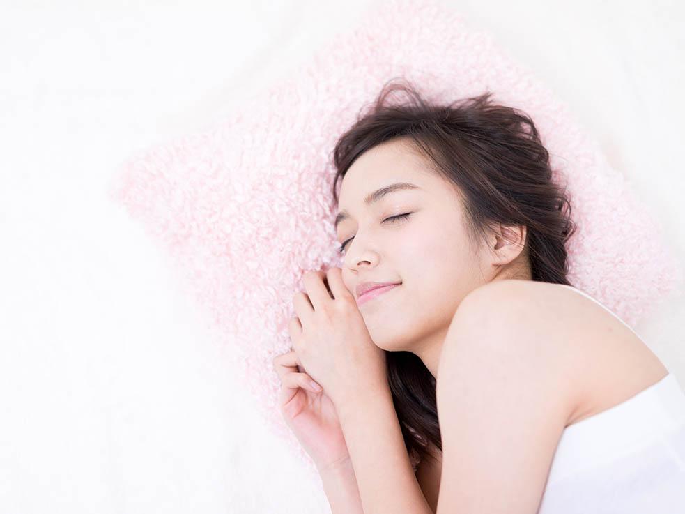 ① イライラ、ストレス、睡眠不足などによって開く毛穴