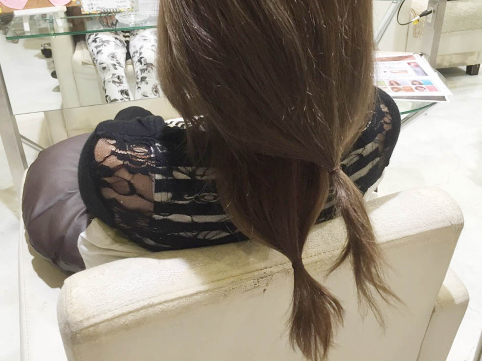 下の髪を上に出すだけ!簡単な編み込み風こなれアレンジの作り方