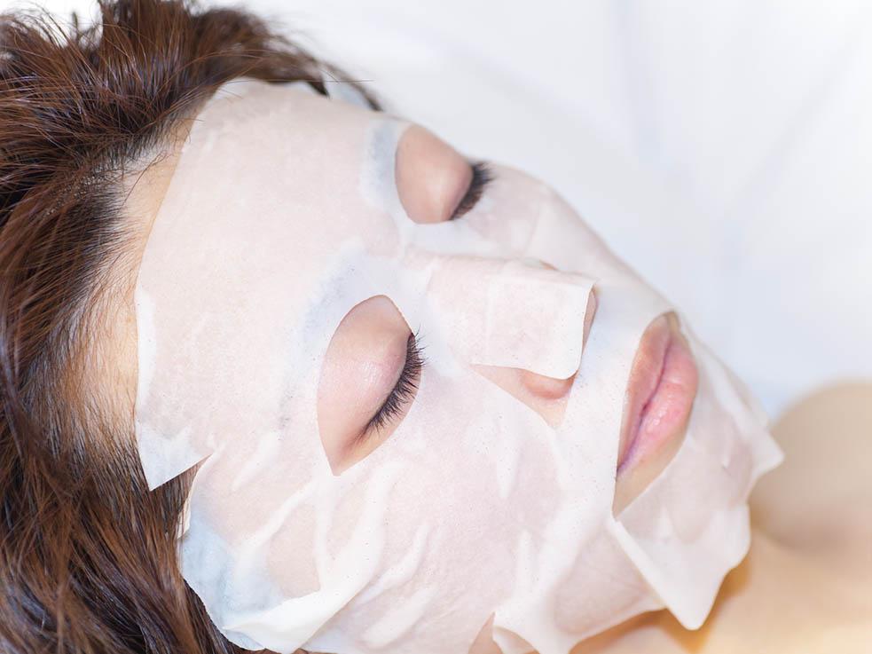 乾燥シーズンにはシートマスクで肌のコンディションを整えて!