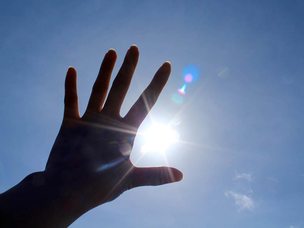 太陽を浴びて体内時計をリセットして健康になりましょう