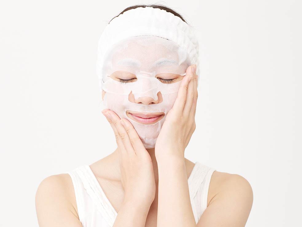 裏ワザ!シートマスクを温めて、浸透力&リラックス効果アップ