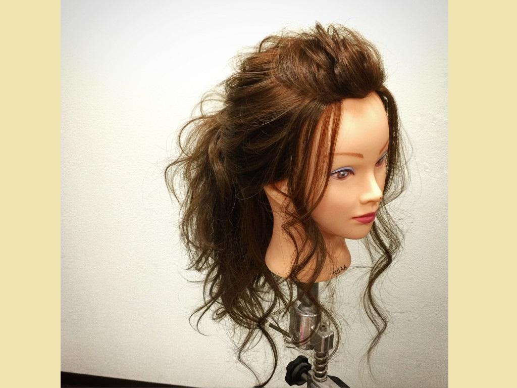 寝癖の付いた前髪の処理にもオススメ!簡単な前髪アレンジ