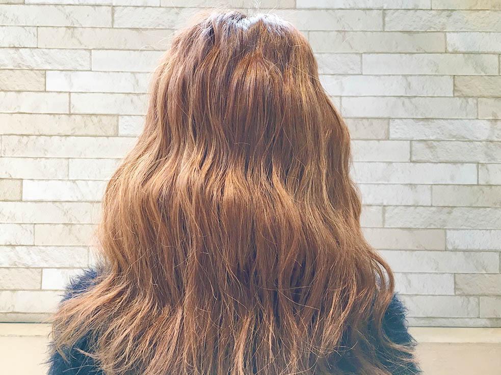 1.髪全体を波ウェーブに