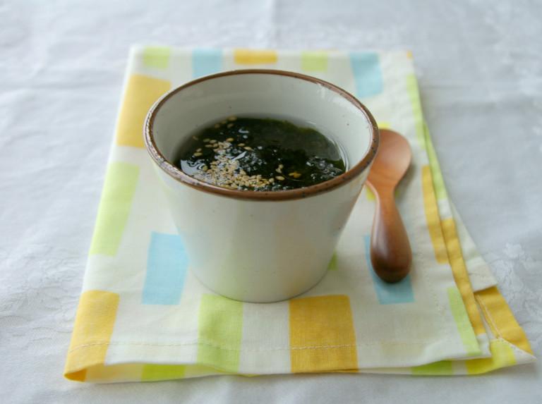 冬の冷えを一蹴!3分で簡単完成★海苔とゴマの中華スープ