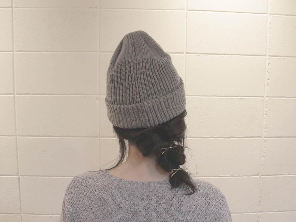 最後にニット帽をかぶったら完成。帽子をかぶっても、アレンジがちょうど見えます