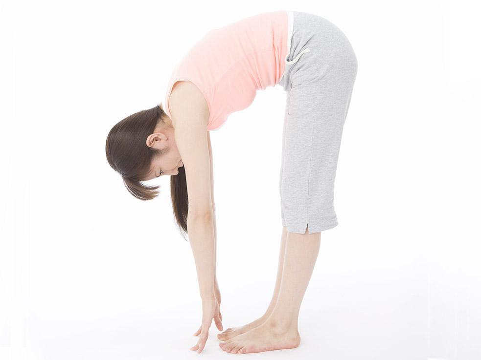 ストレッチは正しい姿勢で!身体を柔らかくする立位体前屈のコツ